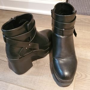 Forever 21 booties. Size 8. Used.